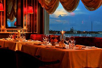 Il ristorante della Terrazza Danieli.