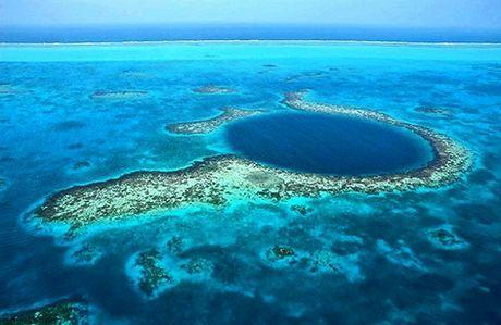 Vista aerea del Great Blue Hole.