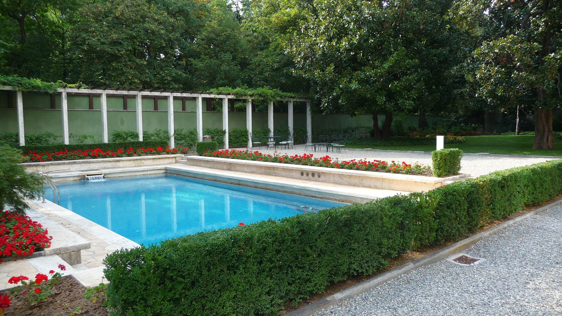 Un segreto di milano villa necchi campiglio blog per - Condominio con piscina milano ...