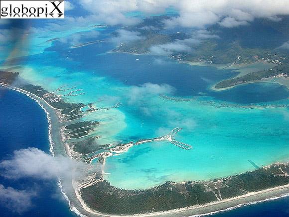 Vista aerea di Bora Bora.