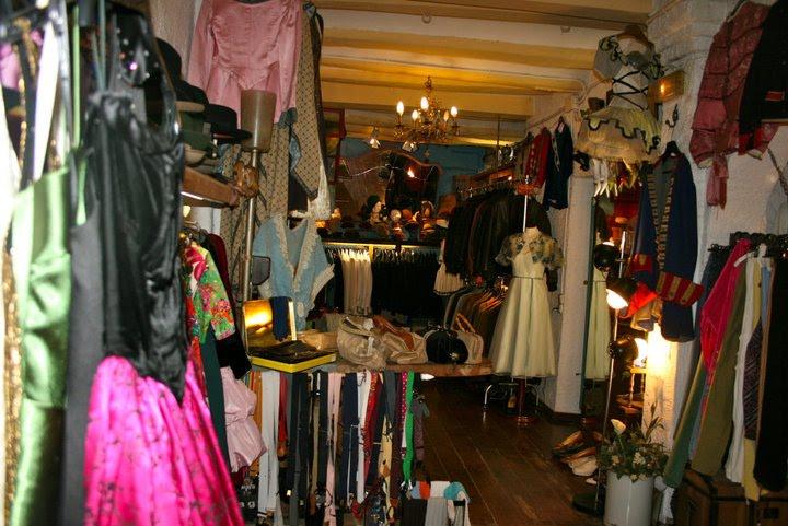 Fonte foto: http://libreriaargot.blogspot.it/2010/09/argot-esta-de-moda-en-lailo-barcelona.html