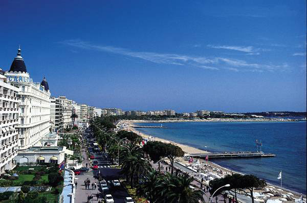 Fonte: http://it.hotels-french-riviera-reservation.com/citta_cannes/visitare-cannes.html