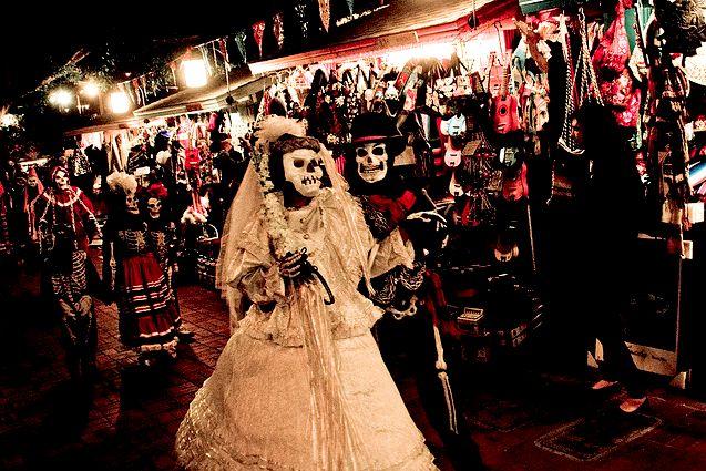 Fonte:http://www.handfulofsalt.com/inspired-dia-de-los-muertos/