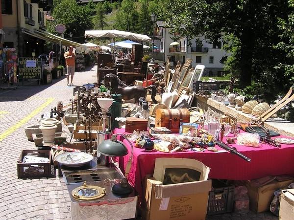 Fonte:http://it.omnidreams.net/articles/43474-i-mercati-d-antiquariato-di-roma